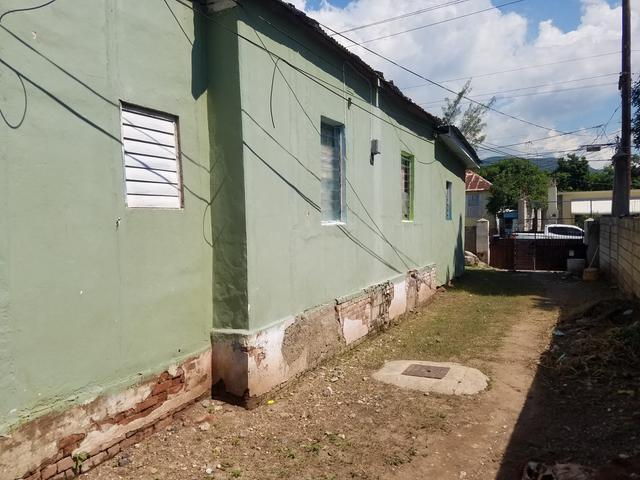 Fixer upper home for sale in kingston excellent income