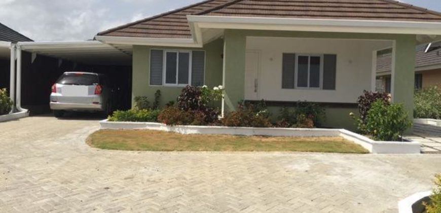 Unfurnished 3 Bedrooms 2 Bathrooms House In The Gated