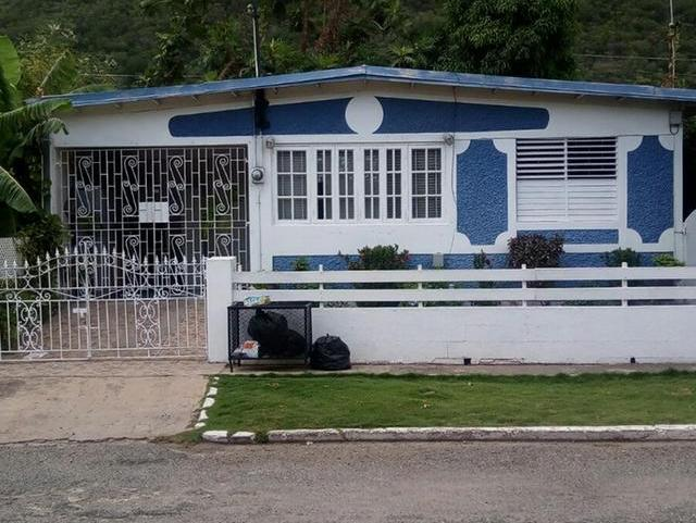 House For Sale In Kingston With Ac Units Ceiling Fans In
